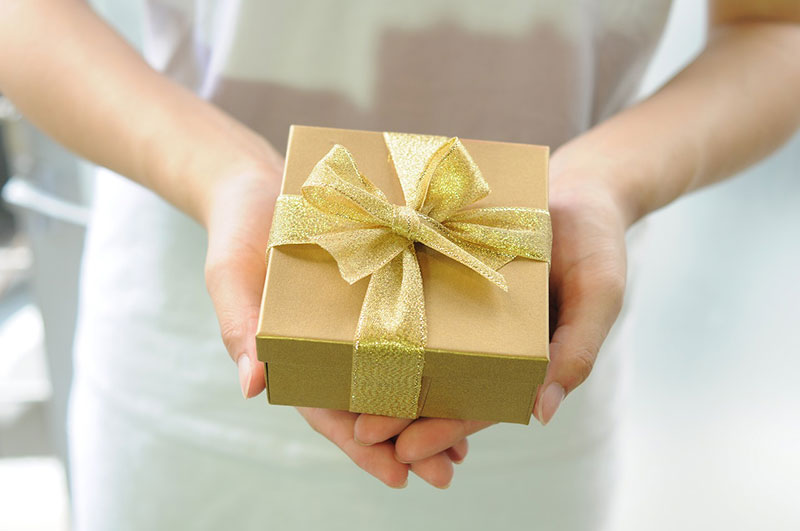 彼氏・男性への誕生日プレゼントにおすすめのメンズブランドのアイキャッチ画像