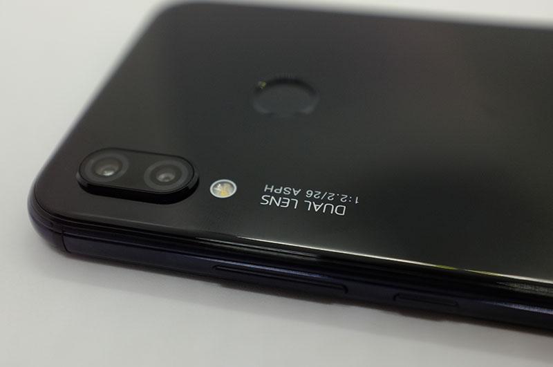 格安スマホ、HuaweiのP20 Lite購入レビュー!他のモデルとのスペック比較ものアイキャッチ画像